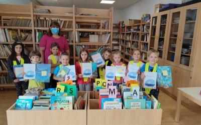 Prvošolčki v knjižnici